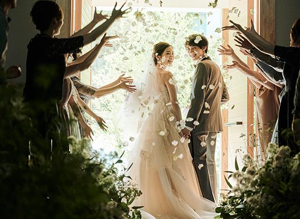 オリジナル人前式とオートクチュールフルコースであなただけの結婚式を